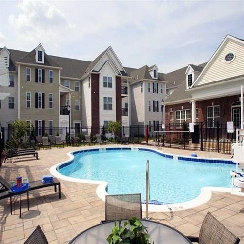 Garden City Apartments: 998 Stewart Avenue